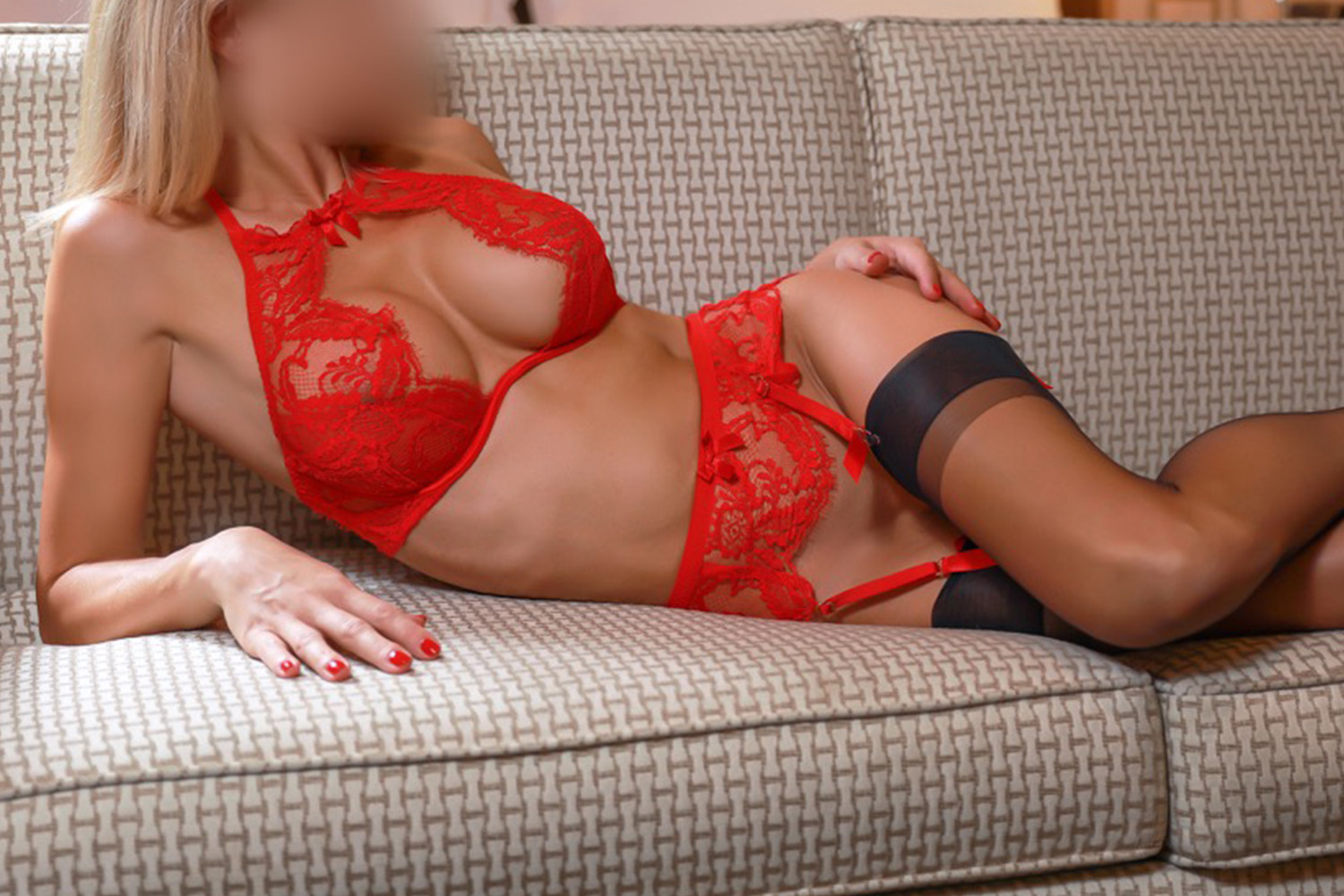 hood escort girl mature marseille